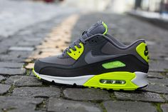 I dont usually wear sneakers but im loving these Nike Air Max 90 Nike Shoes Cheap, Nike Free Shoes, Nike Shoes Outlet, Cheap Nike, Air Max Sneakers, Sneakers Nike, Nike Air Max, Nike Outfits, Sneaker Diy