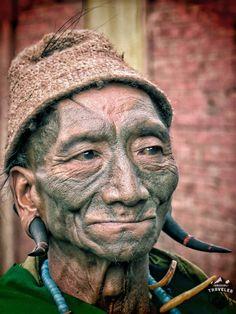 Headhunter in #Nagaland, #India. #Travel, #face #tattoo #portrait