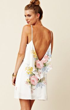 Blu Moon Summer Lovin' Dress, love how they styled this open back dress with a high bun and dainty jewelry