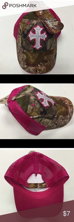 Cross Jeweled Realtree Camo Hat Brand new with tags! One size fits all. Price is firm thank you ❤ Realtree Accessories Hats