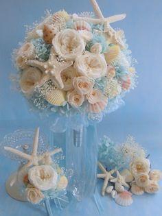 ウェディングブーケなら式後も長く楽しめるプリザーブドフラワーのブーケがおすすめです。花嫁様のこだわりのプリザーブドフラワーブーケもchouette!にご相談ください。