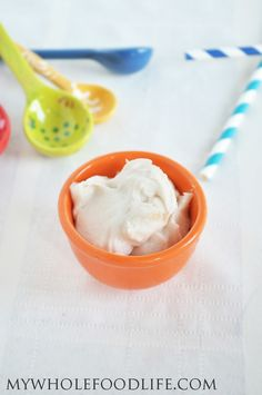 5 Minute Healthy Frosting. No dairy and no refined sugars. Only 4 ingredients!