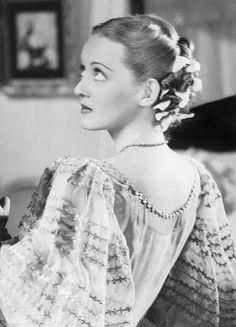 Bette Davis 〡 Jezebel, 1938                              …