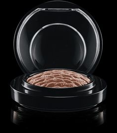 MAC Cosmetics: Mineralize Eye Shadow in Natural Vigor