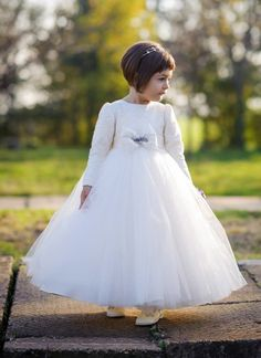 First princess love is her dress. Christening Outfit, Special Events, Kids Fashion, Flower Girl Dresses, Costume, Princess, House Styles, Wedding Dresses, Celebrities