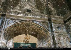 Arquitectura Islámica- Arte con espejos incrustados-#Pórtico de espejos en el eivan Aineh- del santuario de #Fátima #Masuma (P) en la ciudad santa de #Qom (3)   #IslamOriente  Fuente:http://ift.tt/1MEPVjV