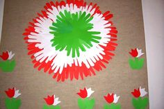 New Year's Crafts, Diy And Crafts, Arts And Crafts, 2nd Grade Activities, Preschool Activities, Indipendence Day, School Board Decoration, Independence Day Decoration, Birthday Charts