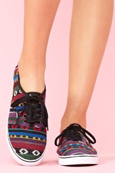 Lo Pro Sneaker - Guate Stripe
