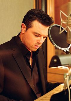 Seth MacFarlane he has glasses btw people. This just goes to show i like family guy and american dad too much. And fall asleep to documentaries.