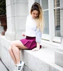 """Résultat de recherche d'images pour """"emma verde"""" Emma Verde, Youtubers, Tennis Skirts, Photos Tumblr, Fashion Mode, Photo Instagram, Belle Photo, Women's Fashion Dresses, Beautiful People"""