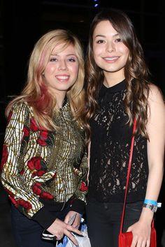 Miranda Cosgrove - Miranda Cosgrove and Jennette McCurdy at the Bruno Mars Concert