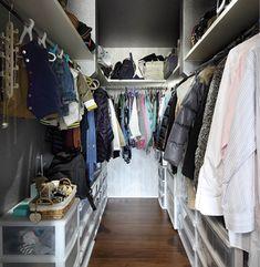 【SUUMO】 勾配天井の吹抜けで明るく開放的に ワンフロアで快適に暮らす住まい - ヤマダホームズ  の建築実例詳細 | 注文住宅 Closet, House, Home Decor, Armoire, Decoration Home, Home, Room Decor, Closets, Cupboard