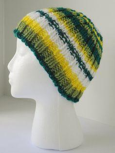 Hand knit toboggan, emerald green hat, green tobaggan $48.95