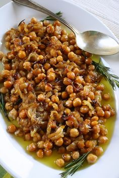Baked Chickpeas from Kalymnos island Kitchen Recipes, Cooking Recipes, Healthy Recipes, Delicious Recipes, Legumes Recipe, Clean Eating, Healthy Eating, Greek Cooking, Greek Dishes