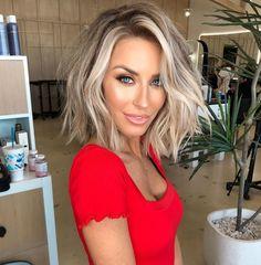 blonde hair My Hairstyle, Pretty Hairstyles, Popular Hairstyles, Trending Hairstyles, Love Hair, Great Hair, Medium Hair Styles, Short Hair Styles, Short Hair Tips