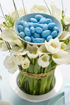 Easter centerpiece--flowers and chocolate eggs.  Great tutorial by Mathew Mead.