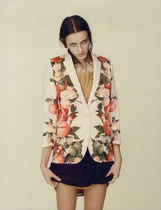 Photography Sabrina Theissen | Styling Kathi Kauder | Model: Erjona Aja