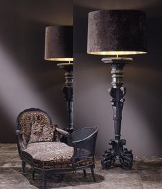 The chandelier Duchesse is characterized by the wise use of precious materials such as gold, velvet and carrubo. It's a rich baroque element, created by..