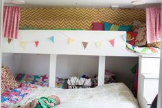 We love this fun, colorful bedroom!