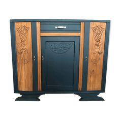 Discover recipes, home ideas, style inspiration and other ideas to try. Deco Buffet, Recycled Furniture, Vintage Diy, Love Gifts, Art Deco Fashion, Furniture Makeover, Sweet Home, Woodworking, Decoration