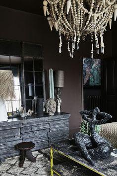 Abigail Ahern interiors, design and decor inspiration Southwestern Home, Southwestern Decorating, Tuscan Decorating, Interior Decorating, Interior Design, Hawaiian Decor, Tropical Interior, Dark Interiors, Simple House