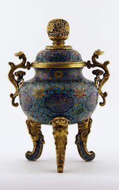 Brûle parfum tripode en bronze doré et émaux cloisonnés
