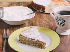 Spanish Almond Cake #glutenfree #cake  •thevintagemixer.com