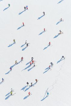 Gray Malin Photography inspiration X 'Deer Valley Skiers' __________ Fineart, ph. Aerial Photography, Art Photography, Documentary Photography, Artistic Photography, Kunst Online, Belle Photo, Photo Art, Skiing, Illustration Art