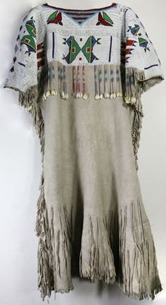 Woman's beaded dress Cheyenne