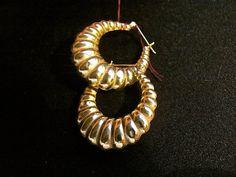 '80s Shrimp Earrings