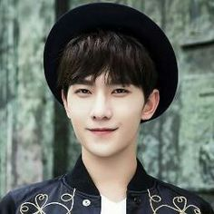 Yang Yang on Check it out! Chinese Bride, Chinese Boy, Chinese Candy, Handsome Actors, Handsome Boys, Asian Actors, Korean Actors, Yang Chinese, Yang Yang Actor
