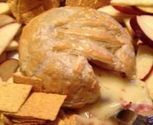 Brie en Croute - The perfect guilt free appetizer for your party!