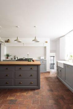 The Cheshire Townhouse Kitchen   deVOL Kitchens