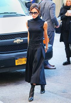 how-to-dress-better-for-work-according-to-victoria-beckham-1889547-1472751664-640x0c