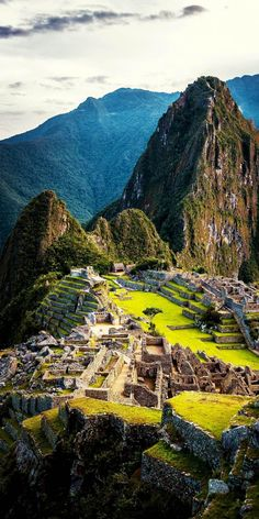 Machu Picchu was an important cultural center for the Inca Civilization but was abandonned when the Spanish invaded the region