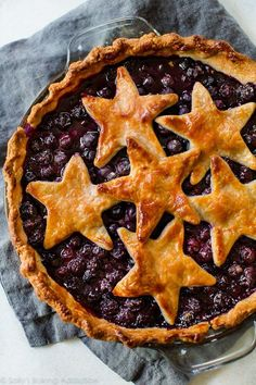 Patriotic Blueberry Stars Pie on sallysbakingaddiction.com