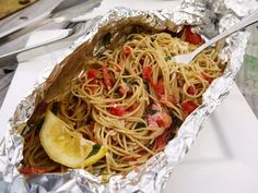Grilled Pasta Packet - camping dinner so easy to throw together. Cook your pasta before your camping trip and save it in a Ziploc bag. Then let everyone build their own pasta and toss it on the grill to heat! Foil Packet Meals, Foil Packets, Grilling Recipes, Cooking Recipes, Frugal Recipes, Cooking Ideas, Cooking Time, Foil Dinners, Gastronomia