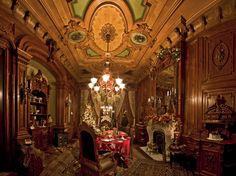 victorian rooms photos | The Grand Dining Room, decked out for Christmas.