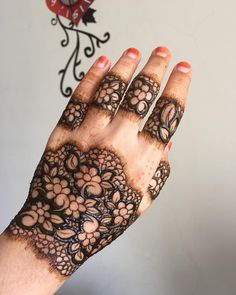 "NATURAL HENNA EXPERTS on Instagram: ""Full Lace design. ❤️ #naturalmehndi #hennaartistjohor #naturalhennastain #mehndistain #rajasthanihenna #hennajb #hennaparty #bridal…"" • Instagram"