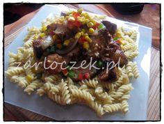 Kurczak w miodzie z sosem grzybowym na bialym winie  http://zarloczek.pl/piersi-kurczaka-z-miodowa-nuta-i-sosem-grzybowym-na-bialym-wytrawnym-winie/