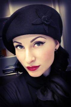 Collectif Clothing - Cora hat in black hoed #avaelderwood