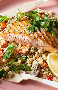 Low FODMAP and Gluten Free Recipe - Maple Spice Salmon with Quinoa  (update) - http://www.ibssano.com/low_fodmap_recipe_maple_spice_salmon_quinoa.html