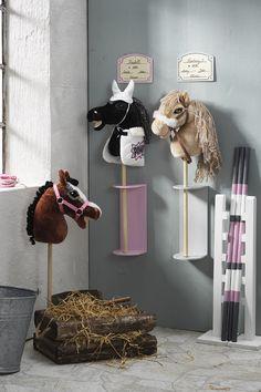 Farm Crafts, Horse Crafts, Diy For Kids, Crafts For Kids, Horse Rugs, Stick Horses, Hobby Horse, Horse Stables, Kids And Parenting