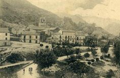 Panoramic view of the upper area from saint Vito's hill pointing toward the place where the park and the avenue currently are. Editor from Malta. (Not later than 1938).