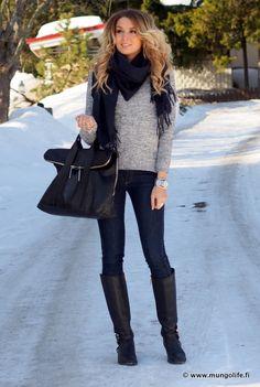 nice bag & skinny's... http://HotWomensClothes.com