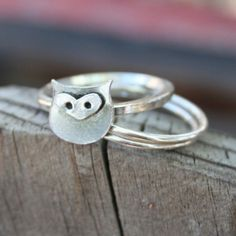 Owl Sterling Silver Stacking Ring Back To School Made by thenay Tiny Rings, Cute Rings, Owl Jewelry, Jewelery, Unique Jewelry, Tiny Owl Tattoo, Owl Tattoos, Owl Ring, Silver Stacking Rings