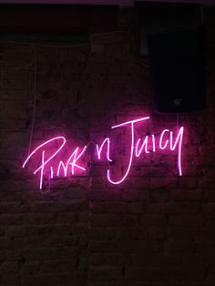 Pink n juicy neon sign Cool Neon Signs, Neon Light Signs, Boutique Interior, Pink Neon Sign, Pink Neon Lights, Neon Signs Quotes, Neon Words, Neon Aesthetic, Badass Aesthetic