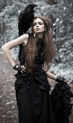 "spookyloop: "" Black Queen The raven queen project Model: Nastya Shirokova Make up and hair: Ekaterina Markasova Style&Design: Anna Popova And Karun the Raven (Source) """