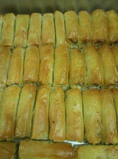 Παραδοσιακό Συριανό μαστιχάκι, από την Ευαγγελία Φωτεινιά - Το Περιοδικό μου Greek Desserts, Sweets, Bread, Food, Gummi Candy, Candy, Brot, Essen, Goodies