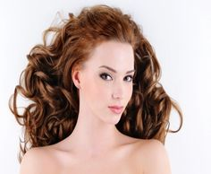 Volumizing Perm - This technique of permanent waves is suitable for different hair lengths. It adds more volume and texture to limp and fine hair. During the process, the curls are allowed to relax to avoid the tightly curled look. The perm in this case is used for adding more volume and body, avoiding the springy, tight and curly look.